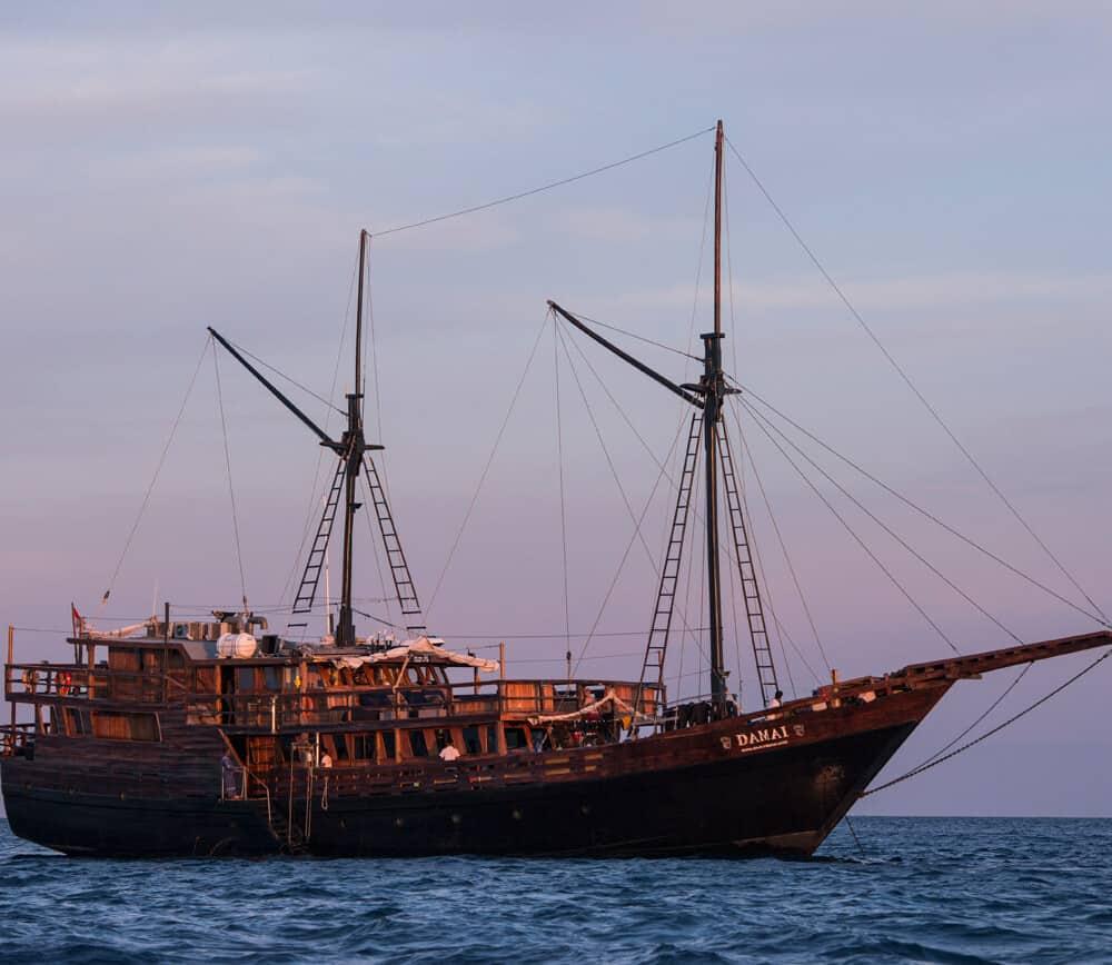 Damai 2 liveaboard ship