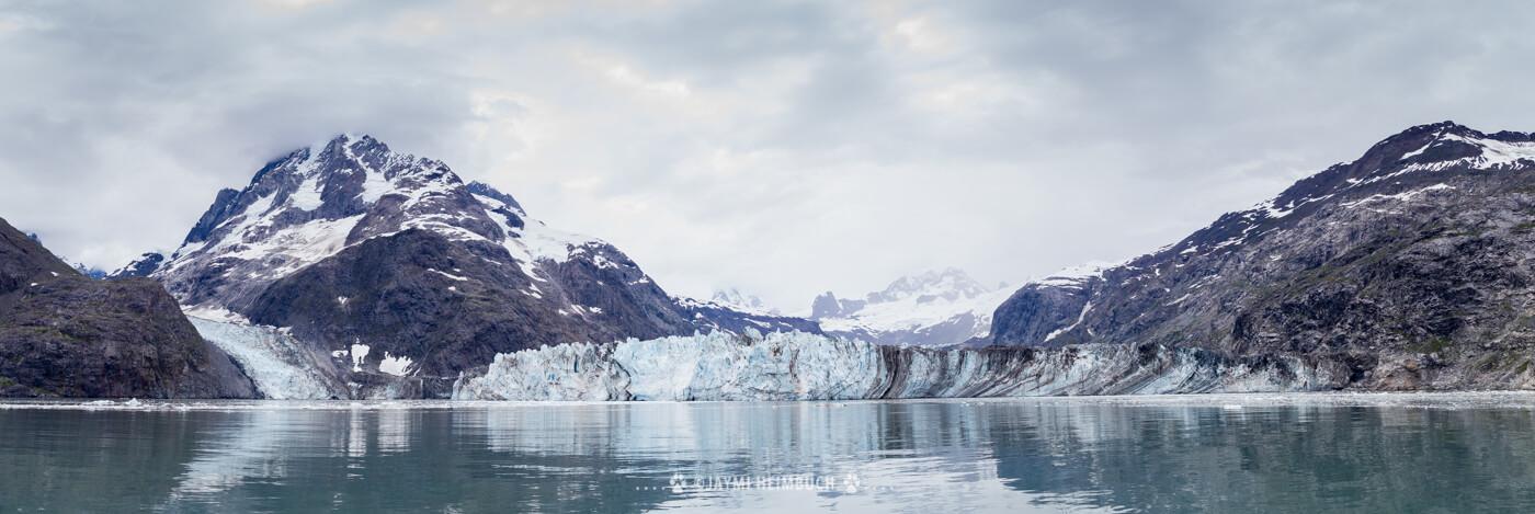 A dramatic glacial landscape in Glacier Bay. © Jaymi Heimbuch