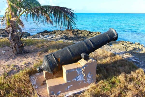 Bahamas fort cannon