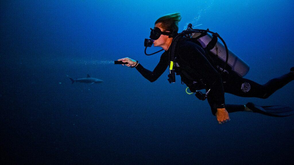 Sam Potter scuba diving